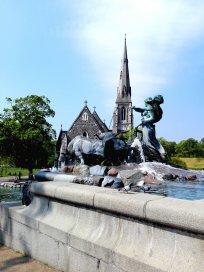 Gefion Brunnen und St. Alban's Church